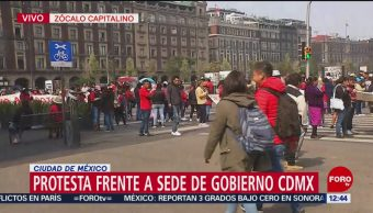 Manifestantes que marcharon por Tlalpan llegan al Zócalo CDMX