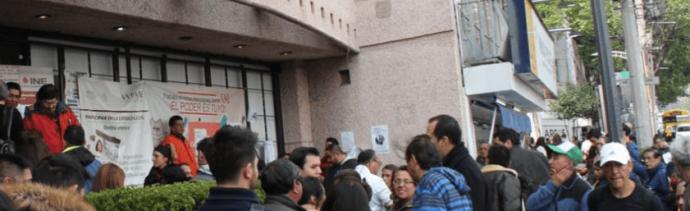 Ciudadanos actualizan credencial para votar con fecha 2018