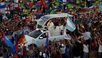 Foto: El Papa Francisco asiste a una vigilia en el parque metropolitano de Saint Paul II en la ciudad de Panamá, 26 de enero de 2019 (Reuters)
