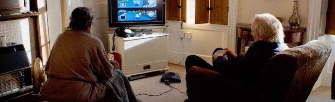 Pareja 18 Años Jugando Mismo Videojuego Diariamente