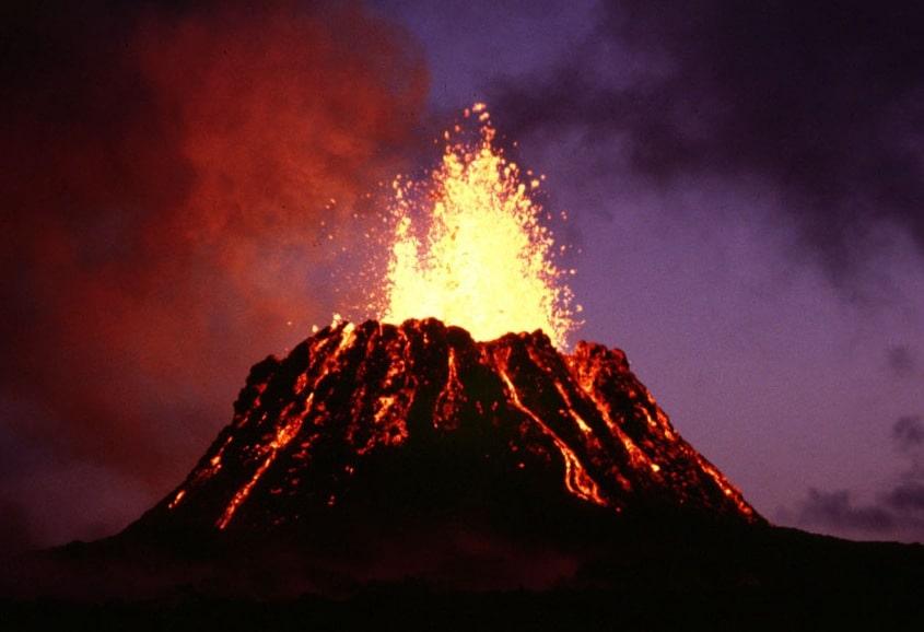 playa-hawai-queda-negra-volcan-kilauea