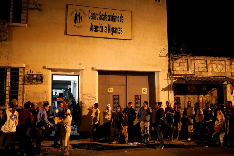 migrantes hondureños llegan a guatemala