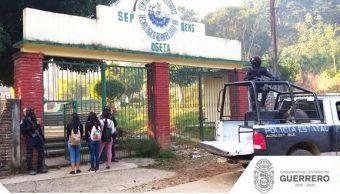 Seguridad Guerrero; con vigilancia militar regresan a clases