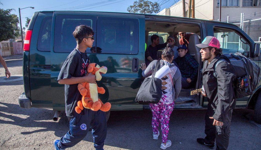 Caravana migrante; abandonan bodega 'Contra Viento y Marea'