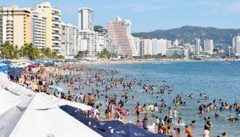 Turistas disfrutan últimas horas de vacaciones en Acapulco