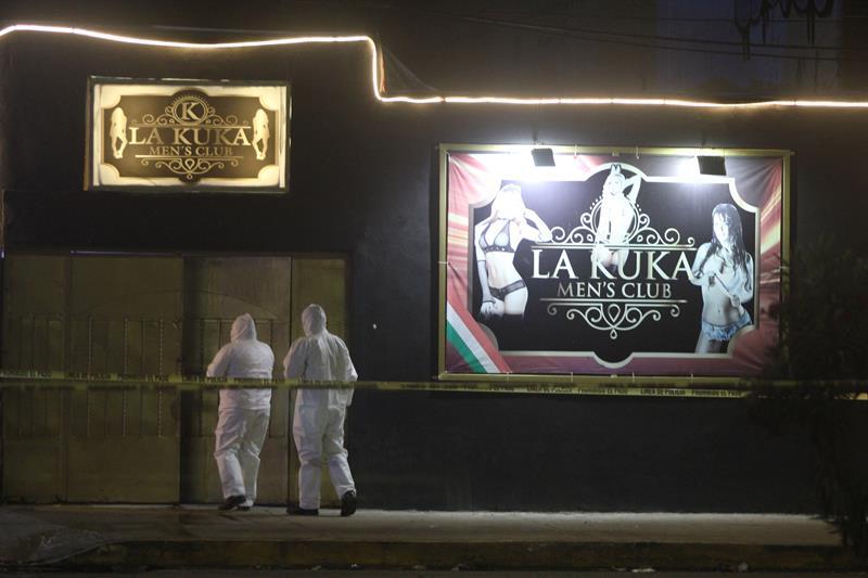 """El ataque ocurrió en los primeros minutos de este sábado en el bar denominado """"La Kuka"""". (EFE)"""
