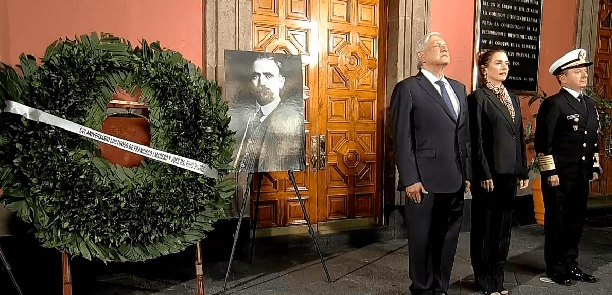 FOTO AMLO conmemora legado de Francisco I. Madero; deposita ofrenda floral y monta guardia de honor YouTube/AMLO cdmx 22 febrero 2019