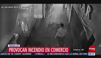 Delincuentes provocan incendio en bazar de Cuernavaca