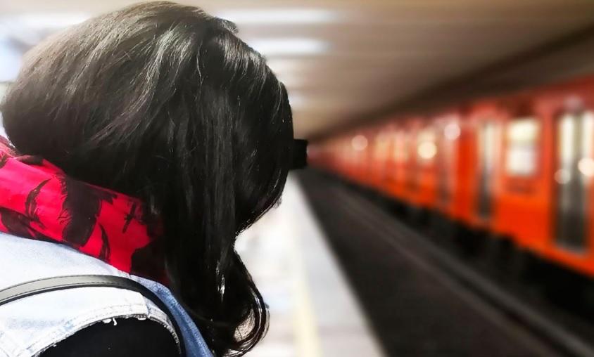 Liberan a dos hermanos señalados por joven de intentar secuestrarla en el Metro