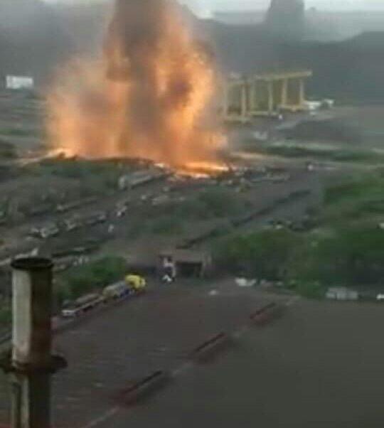 Foto: RReportan explosión Arcelor Mittal Lázaro Cárdenas, Michoacán 19 febrero 2019