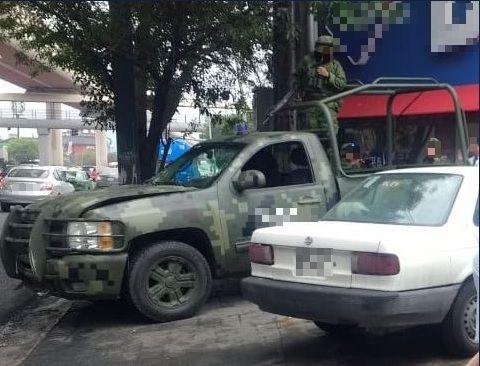 Foto: Choque deja seis militares lesionados en Monterrey, 11 de marzo 2019, Twitter @rayelizalder