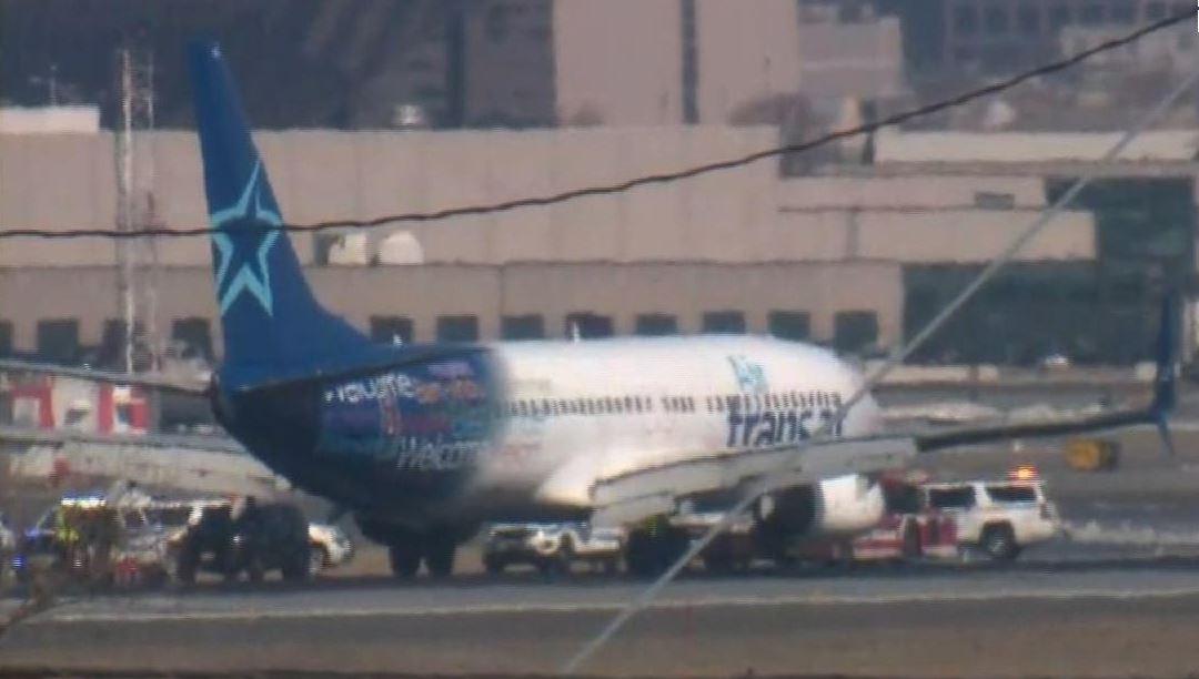 Foto: Un avión que se dirigía de Canadá al sur de Estados Unidos aterriza de emergencia en el aeropuerto de Newark, 9 marzo 2019