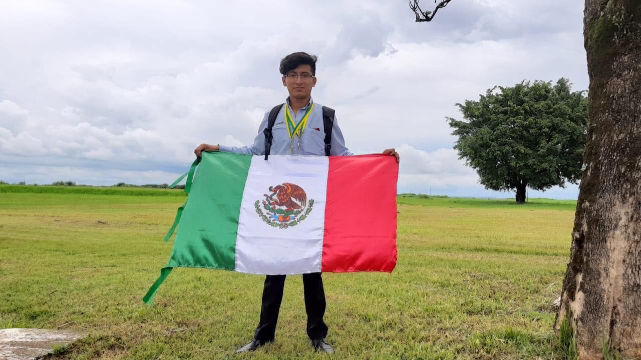 foto Alumno de Conalep gana medalla de plata en WorldSkills Américas 2019