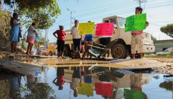 Foto: Pobladores de la colonia Miramar bloquearon la periferia del puerto de Acapulco debido a la falta de agua, 6 de febrero 2019. Cuartoscuro