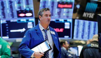 Foto: Los comerciantes trabajan en el piso de la Bolsa de Nueva York (NYSE) poco después de la campana de apertura, Nueva York, Estados Unidos, 27 de marzo de 2019 (Reuters)
