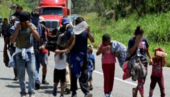 Foto: Migrantes de América Central caminan en una carretera en el estado de Chiapas, México, durante su viaje hacia Estados Unidos, 30 de marzo de 2019 (Reuters)