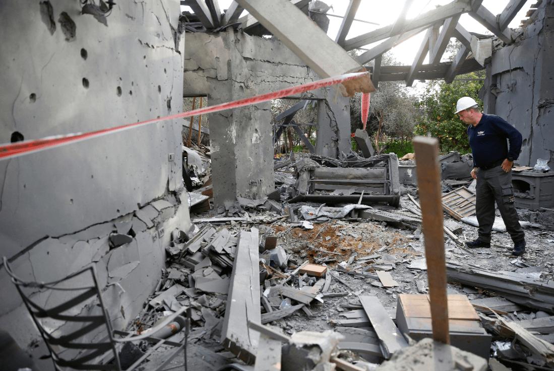 Foto: Daños a vivienda israelí por cohete lanzado desde Gaza, 25 de marzo de 2019, Israel