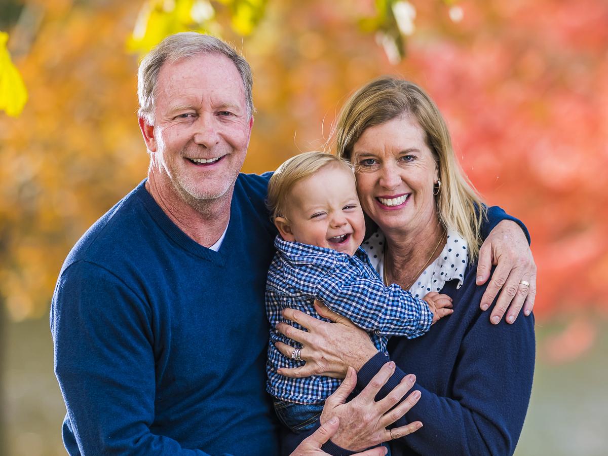 Enfermera adopta a bebé enfermo del corazón tras cuidar