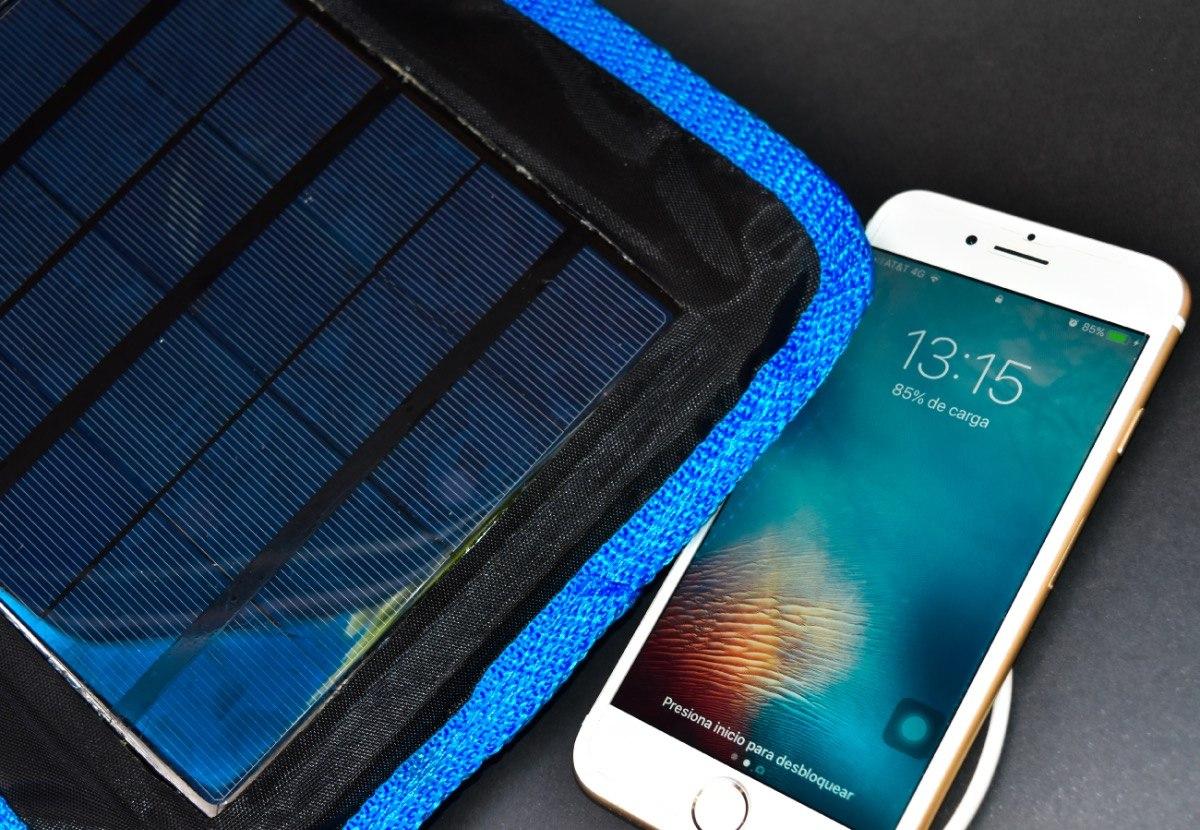 Egresados de la UNAM crean cargador solar para celulares
