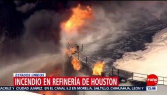 FOTO: Incendio en refinería de Houston, Estados Unidos, 17 marzo 2019
