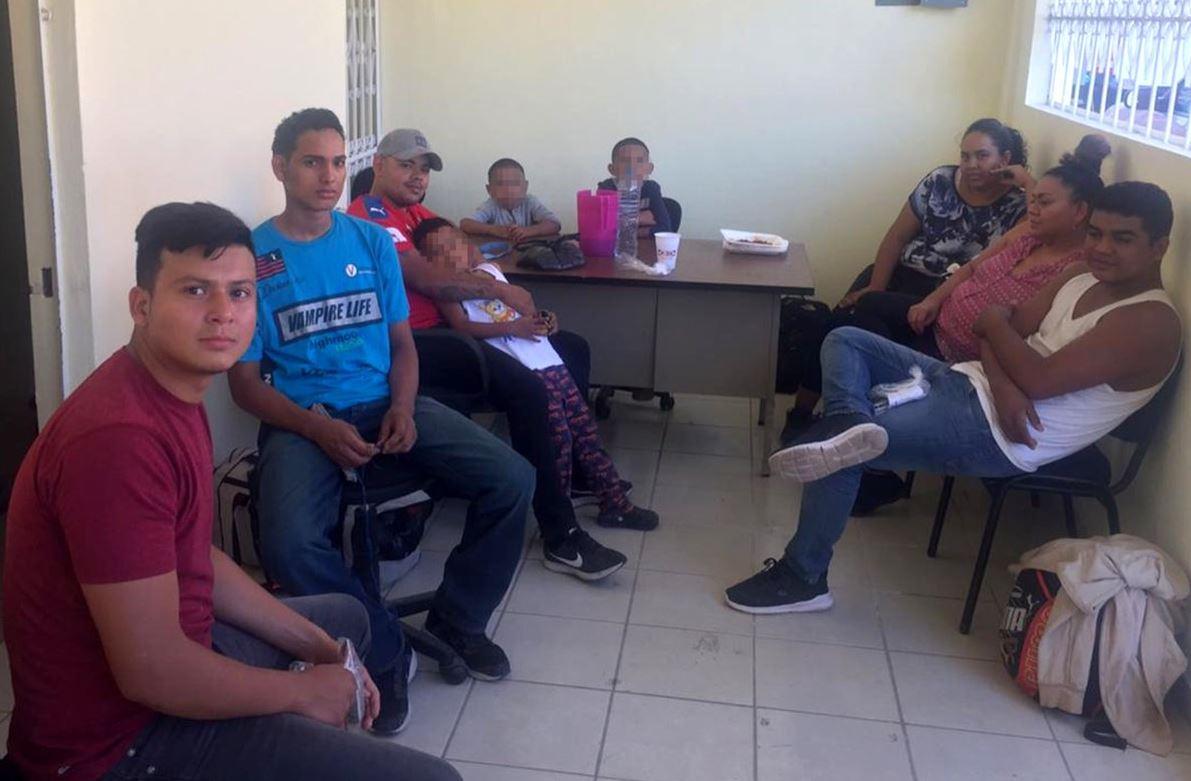 Foto: Los migrantes recibieron atención psicológica y victimológica, el 1 de marzo de 2019 (Fiscalía de Chiapas)