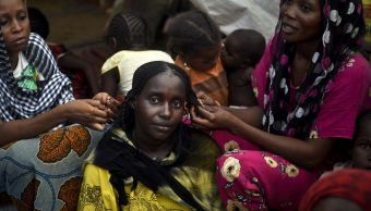 Foto: Mujeres protestantes sudanesas podrían ser juzgadas en tribunales de emergencia, marzo 9 de 2019 (Getty Images)