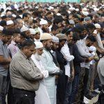 Foto: Cientos de personas asisten a las oraciones del viernes en Hagley Park, cerca de la mezquita de Al Noor, 22 marzo 2019