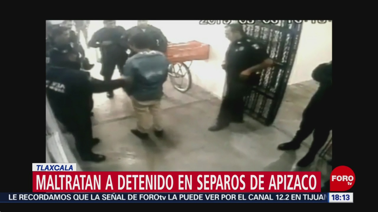 Foto: Policías golpean a detenido en separos en Tlaxcala
