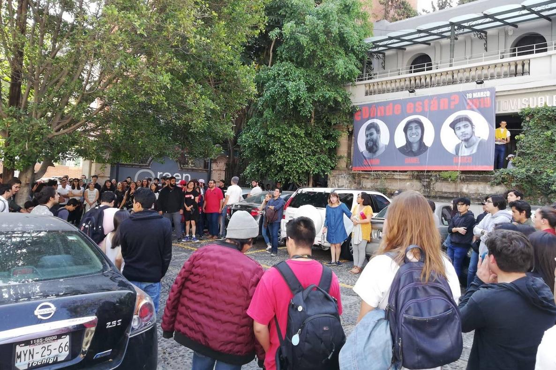 Foto: Se cumple un año de la desaparición de estudiantes de cine en Jalisco, 19 de marzo 2019. Twitter @caavuniversidad