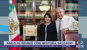AMLO se reúne con Nestora Salgado, reafirma libertad para presos políticos