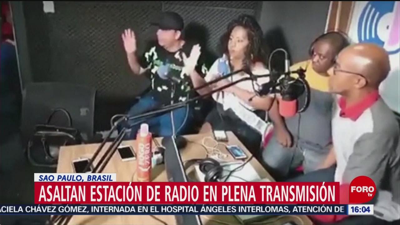 Foto: Asaltan estación de radio en plena transmisión
