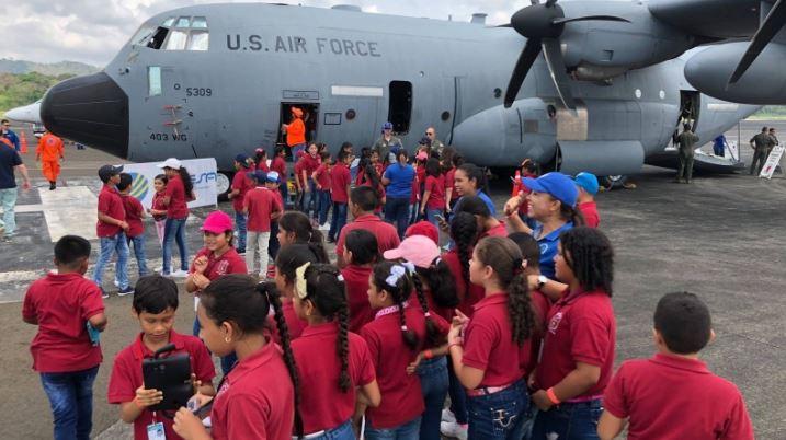 Aviones cazahuracanes de EU visitan Veracruz