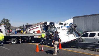 Foto: Tras el choque múltiple, llegaron al lugar cuerpos de emergencia, ambulancias y policías federales, el 13 de abril de 2019 (Twitter @LeonardoTorixa)