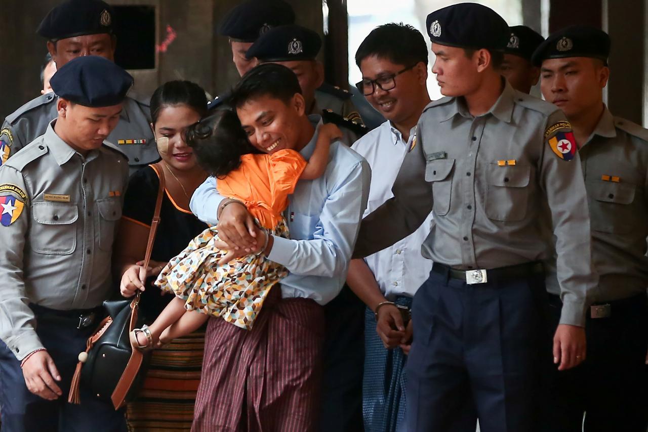 Ganan Pullitzer reporteros de Reuters presos en Myanmar