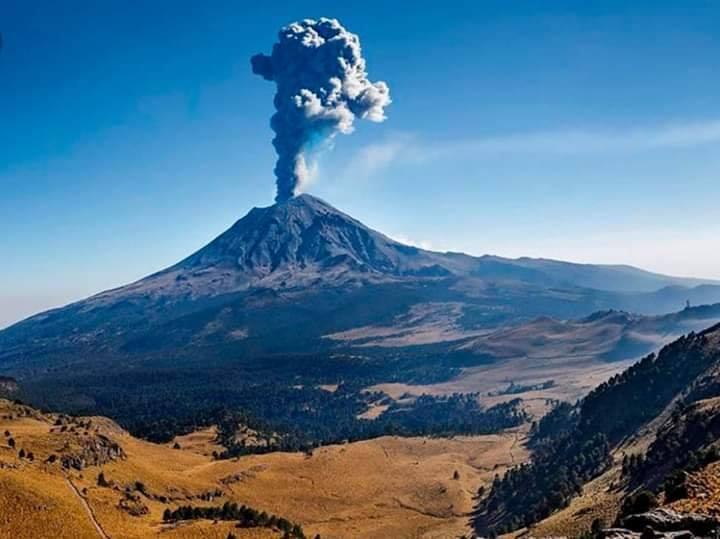 Ciudadanos reportan menos actividad del volcán Popocatépetl