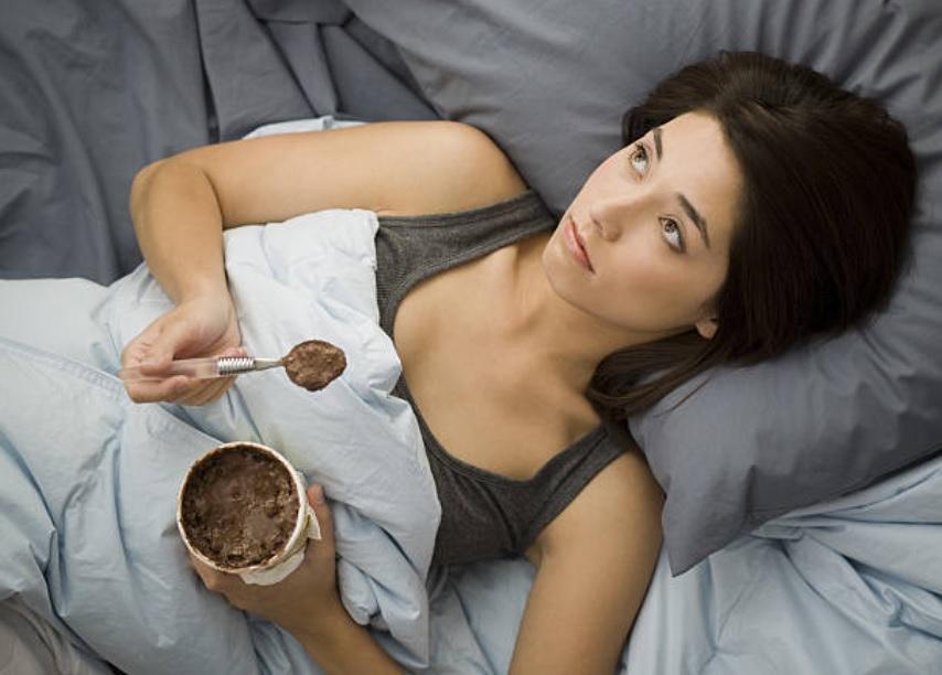 Comer un helado o pastel no te pone de buen humor: Estudio