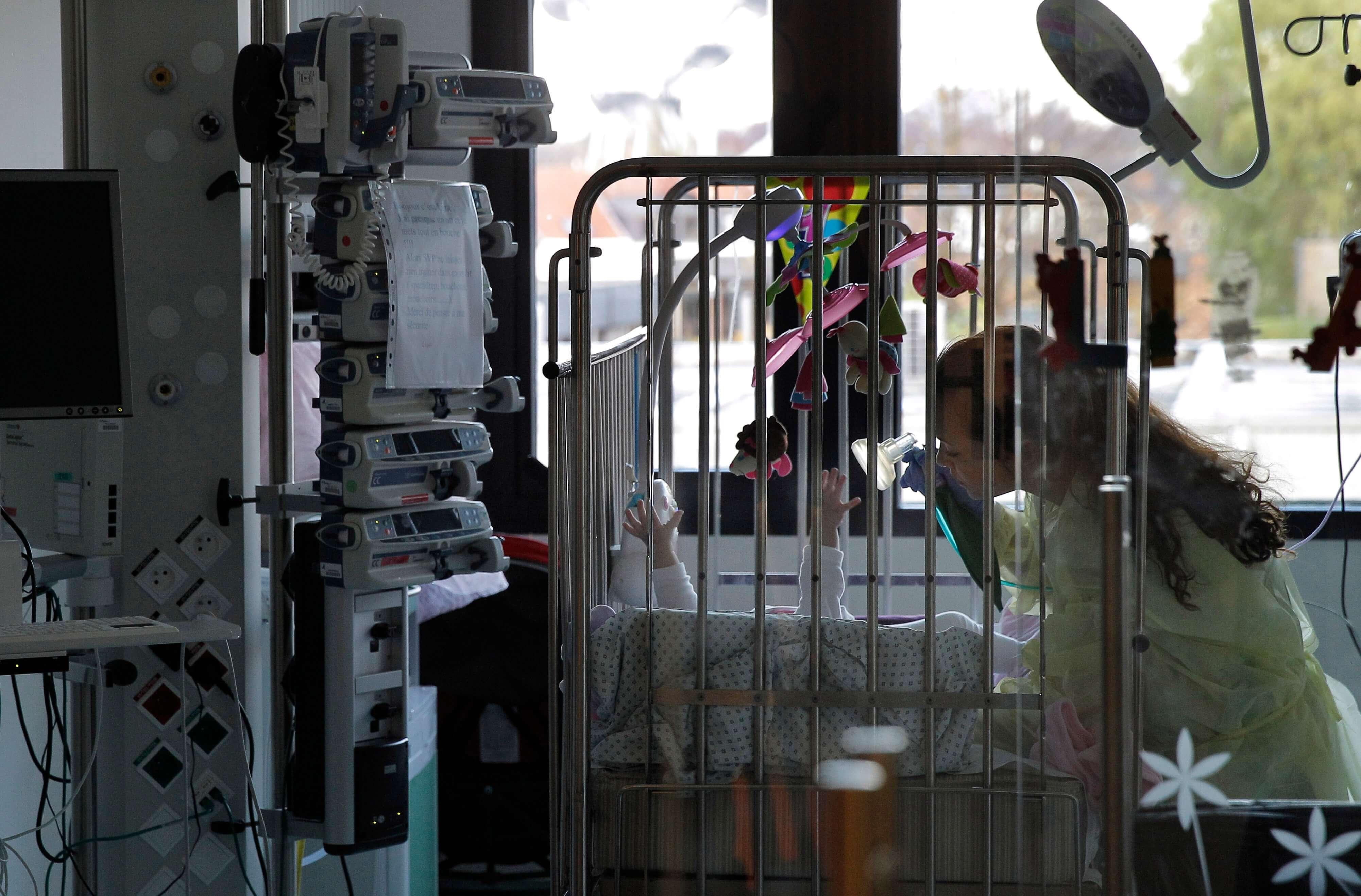 Padres de niños con cáncer tendrán licencia para cuidarlos