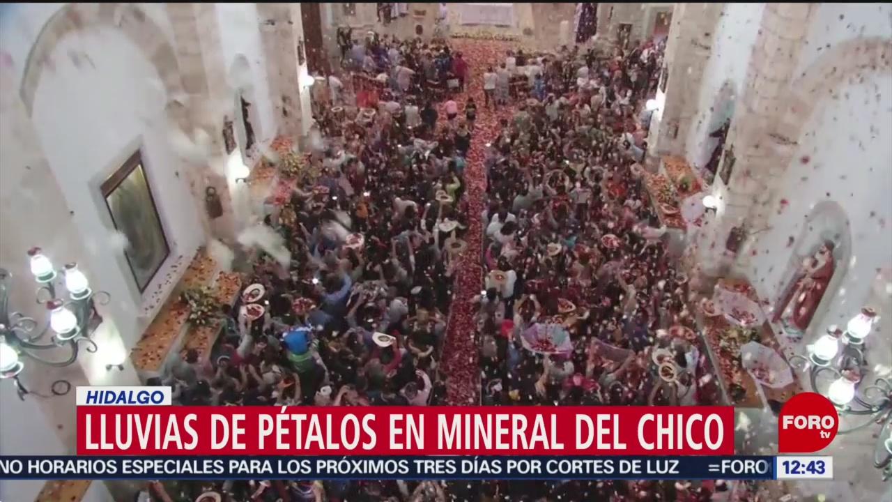 Lluvia de pétalos marca Domingo de Resurrección en Mineral del Chico