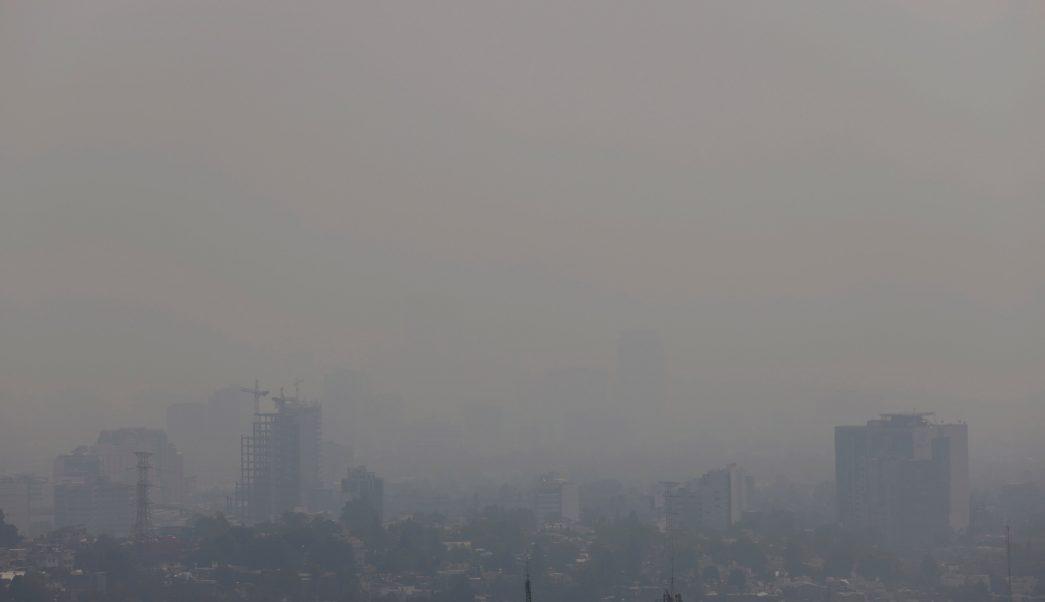 Capitalinos ignoran recomendaciones ante contingencia ambiental