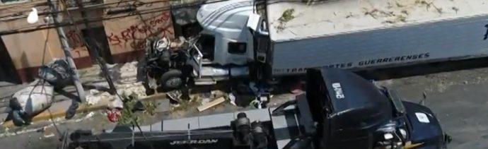 Chofer de tráiler que provocó accidente en Santa Fe alcanzaría hasta 90 años de cárcel