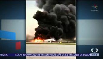Aterrizaje de avión ruso en llamas deja 41 muertos