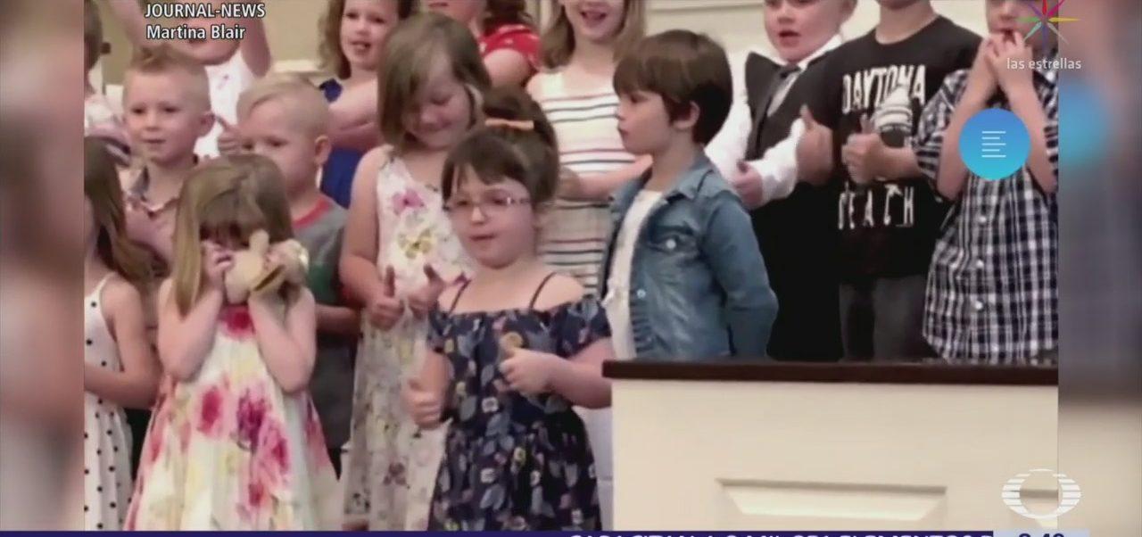Baile de niña se vuelve viral durante su graduación de preescolar