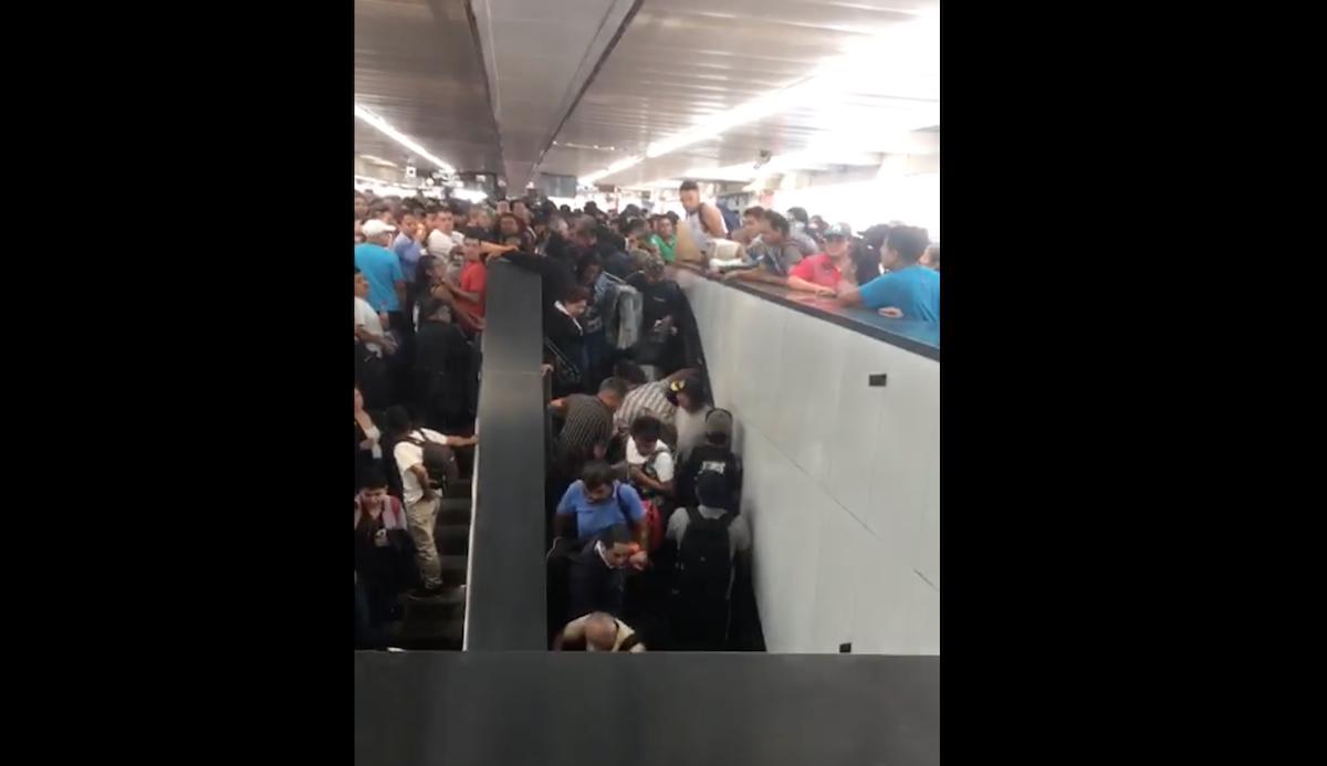 Foto Caídas Escaleras Metro Pantitlán 9 Mayo 2019