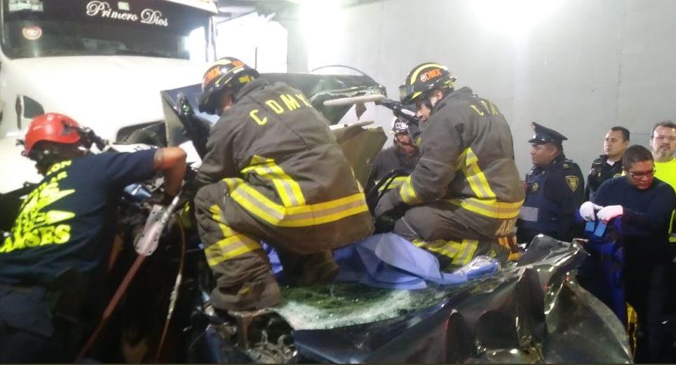 Foto: Un choque en Periférico y Constituyentes deja una persona muerta y tres lesionadas, 25 mayo 2019