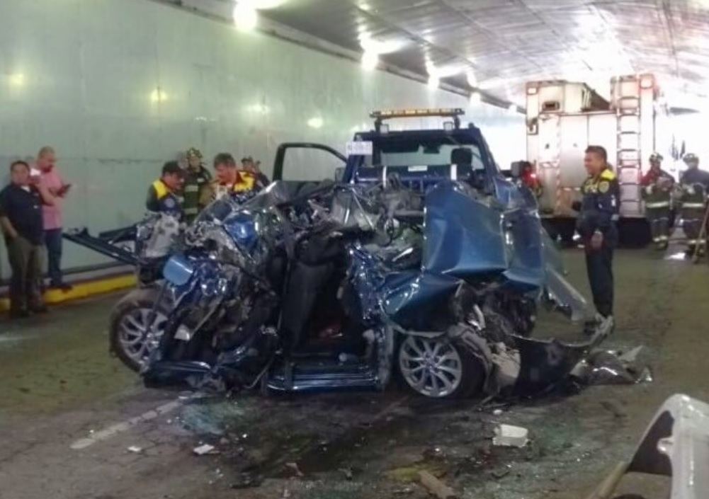 Foto: Accidente vial sobre Constituyentes, en el bajo puente a la altura del Papalote Museo del Niño, CDMX, mayo 25 de 2019 (Imagen: Facebook سانتياغو زافالا)