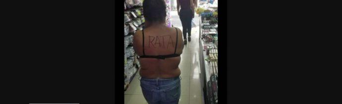 FOTO: Detienen y rapan a mujer por robar en Nuevo León
