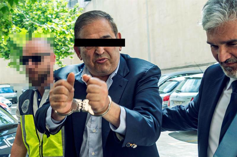 Foto Alonso Ancira, de AHMSA, a disposición judicial de Mallorca 29 mayo 2019