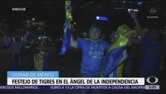 Festejo de Tigres en el Ángel de la Independencia, CDMX