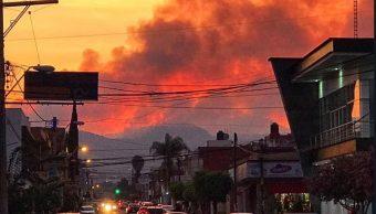 Incendio consume el Cerro de Jicalán, en Uruapan, Michoacán