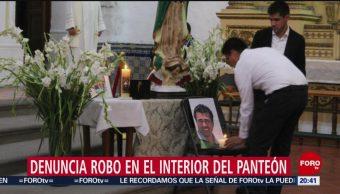 Foto: Juan Pablo Adame denuncia robo durante sepelio de su tío